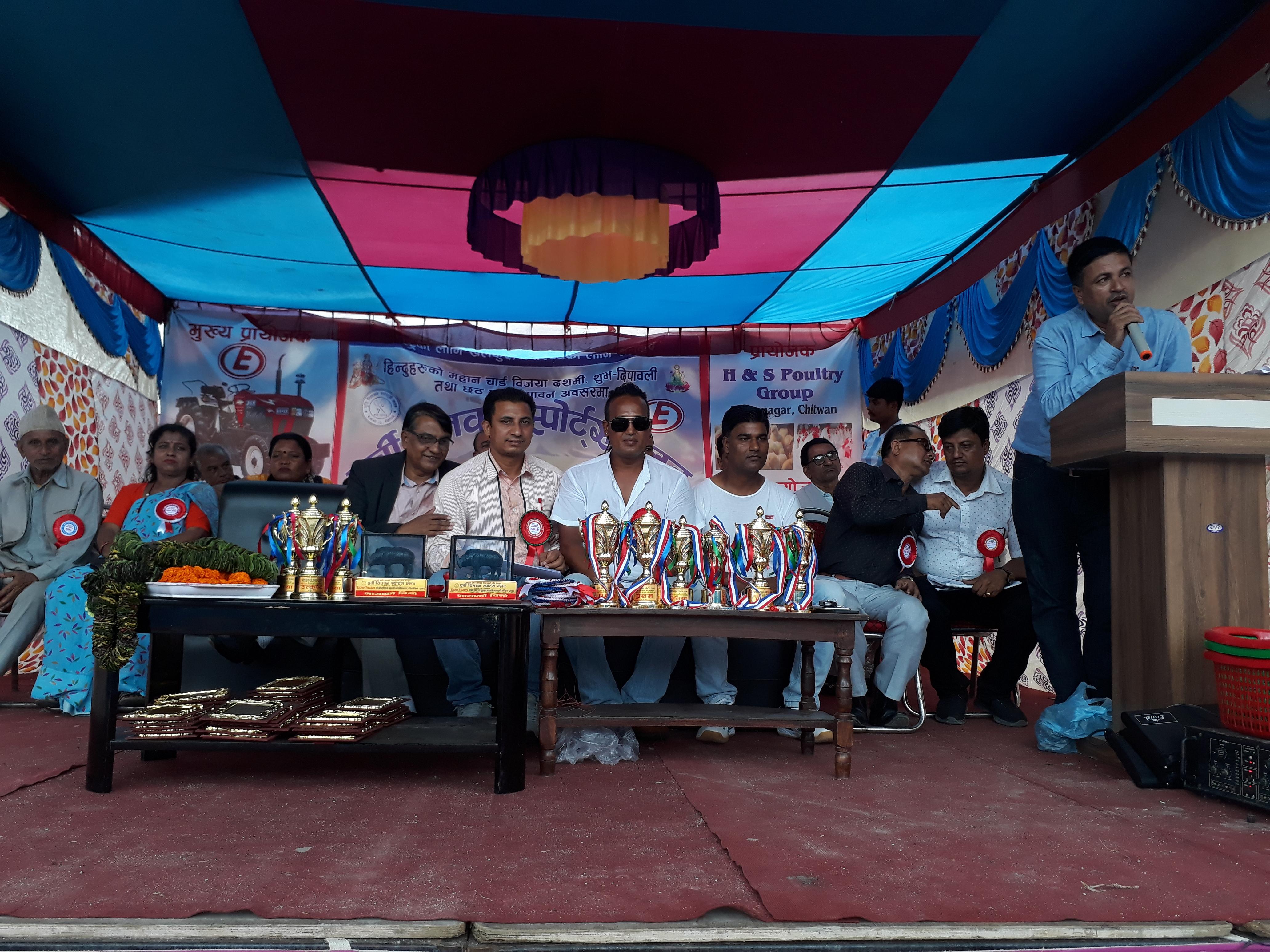 दोश्रो राष्ट्रिय व्याडमिन्टन प्रतियोगिताको उपाधि बुटवलका विनोद  र बैकुण्ठलाई (फोटो फिचर सहित)