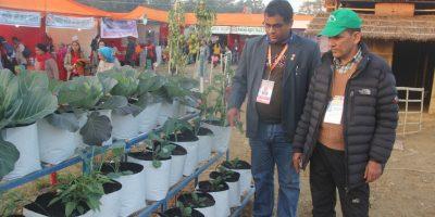 रत्ननगर महोत्सवमा कृषि परिसरले तान्यो कृषक