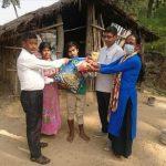 माडीमा बिपन्न परिवारका लागि राहत बितरण