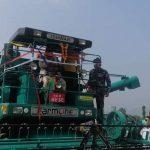 माडीमा धान काट्ने मेसिन कम्बाइन हार्मेस्टरको कृषि मन्त्री लामाद्वारा उद्धघाटन
