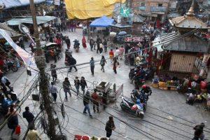काठमाडौँ उपत्यकामा सङ्क्रमण बढ्यो, यातायात कार्यालयमा सेवाग्राहीको भीड उस्तै