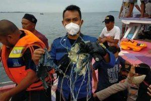 इण्डोनेसियाकाे जाकार्ताबाट उडेकाे ६२ जना सवार विमान बेपत्ता, समुन्द्रमा खसेकाे अनुमान
