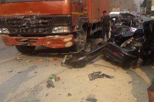 चितवनको दासढुङ्गामा ट्रक र कार ठक्कर खादा दुईको मृत्यु, दुईको अवस्था गम्भिर