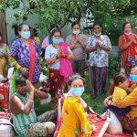 रत्ननगरको गैरिबारीमा रहेको सुकुम्बासी बस्तिका ५३ परिवारलाई गरियो राहत बितरण