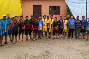 रत्ननगरमा सुरु भयो खुल्ला ब्याडमिन्टन प्रतियोगिता, ११ टिमको सहभागिता